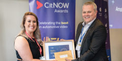 CitNOW CEO, Alistair Horsburgh presenting a woman a CitNOW awards certificate